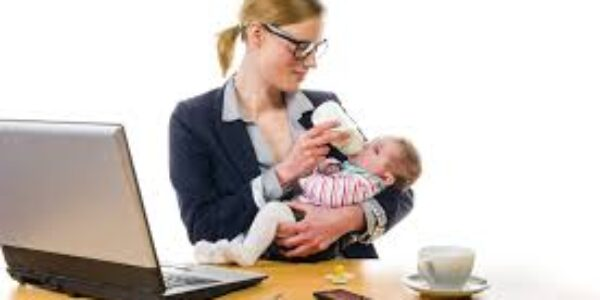 Io Donna/La carriera o la maternità: una scelta sempre più ardua