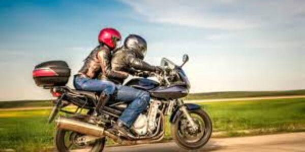Sport/Andare in moto: la piacevolezza, il rischio e la fesseria