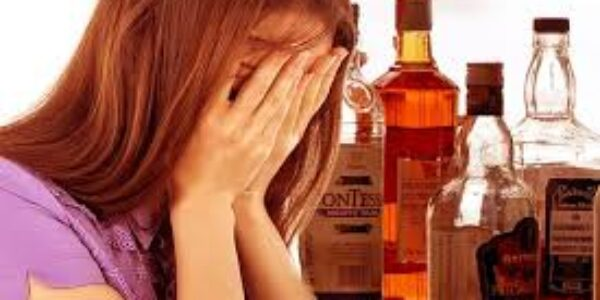 """Tossicodipendenza/Alcol e donna: annegate in un bicchiere per darsi """"un coraggio liquido"""""""