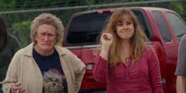 """Spettacolo/I film di TVGNEWS: """"elegia americana"""" ; droga o famiglia, con il potere invalidante della dipendenza"""