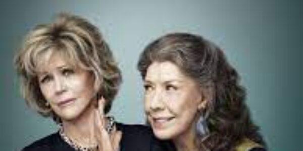 """Spettacolo/Serie TV: su Netflix """"Grace and Frankie, quando la vecchiaia non è un limite ma una rinascita"""