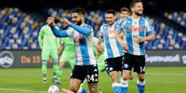 Sport/Calcio: il ciuccio si pappa l'aquila. Napoli – Lazio 5- 2