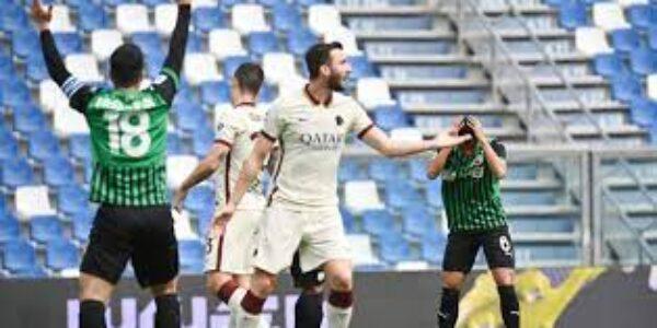 Sport/Calcio: scivolone Roma contro il sassuolo (2-2)