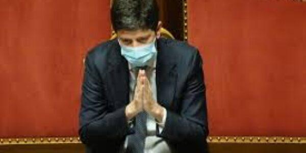 Politica/Il parlamento salva il ministro della salute Speranza, ma ora è sotto osservazione
